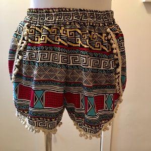 Shosq pom pom shorts GUC